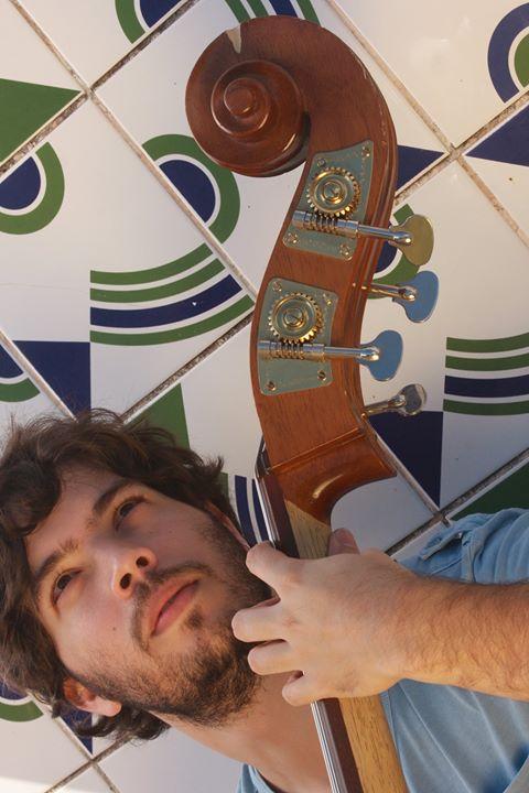 Eduardo Belo ( Bass)