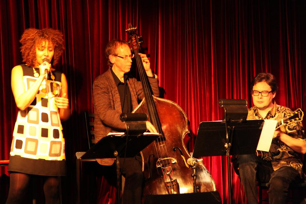 Neil Swainson (Bass) and Reg Schwager (Guitar) .Pic by Martha Rangel