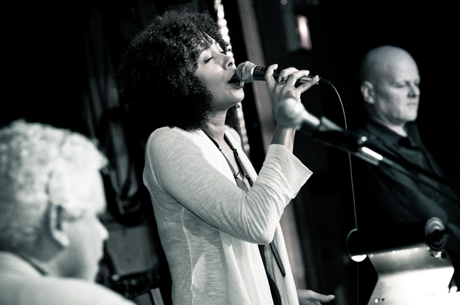 Sinal Aberto at Lula Lounge (pic by Kevin Jones)