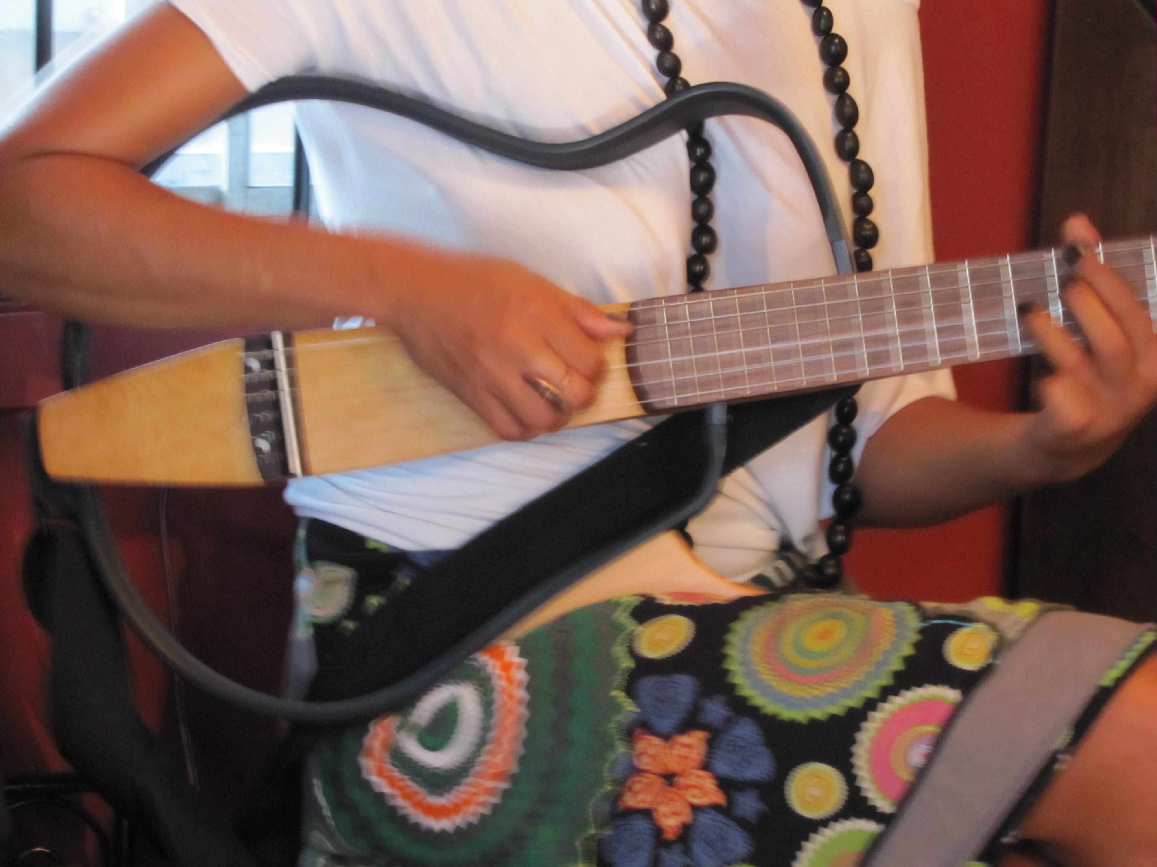 Luanda Jones- Voice and Guitar